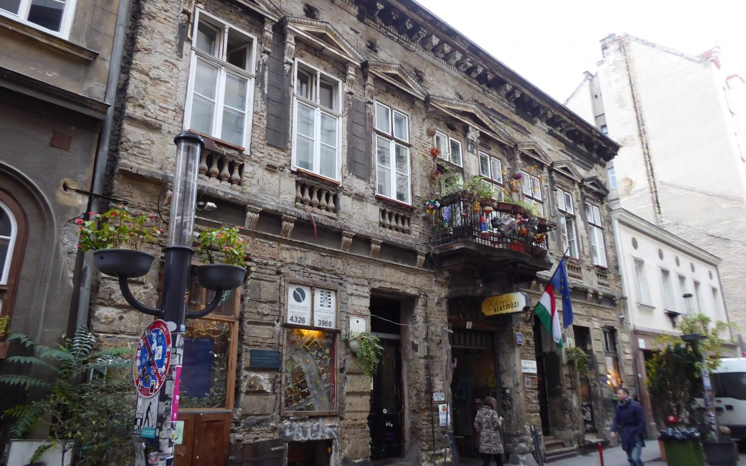 A pub with a social mission: introducing Szimpla in the Jewish District of Budapest